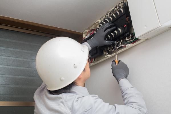 電気工事ってどんなことをするの?役割分担で作業効率アップ!